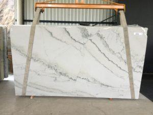 """Calacatta Macaubus 3cm Quartzite Group """"H"""" 75×133"""