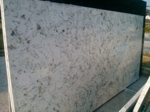 Q-Quartz Montclair White 3cm  Group# 4 127×64