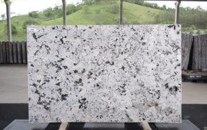 Everest White 3cm Granite / #69967 (72″ x 114″) Group E