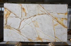Crystal Imperiale Quartzite 2cm / #5540 (133″ x 78″) Group I