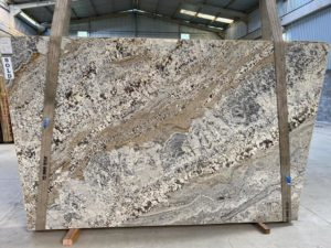 Caramelato 3cm Polished Granite #4889 (122″ x 79″) Group F